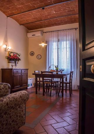 appartamento in villa toscana, appartamento indipendente
