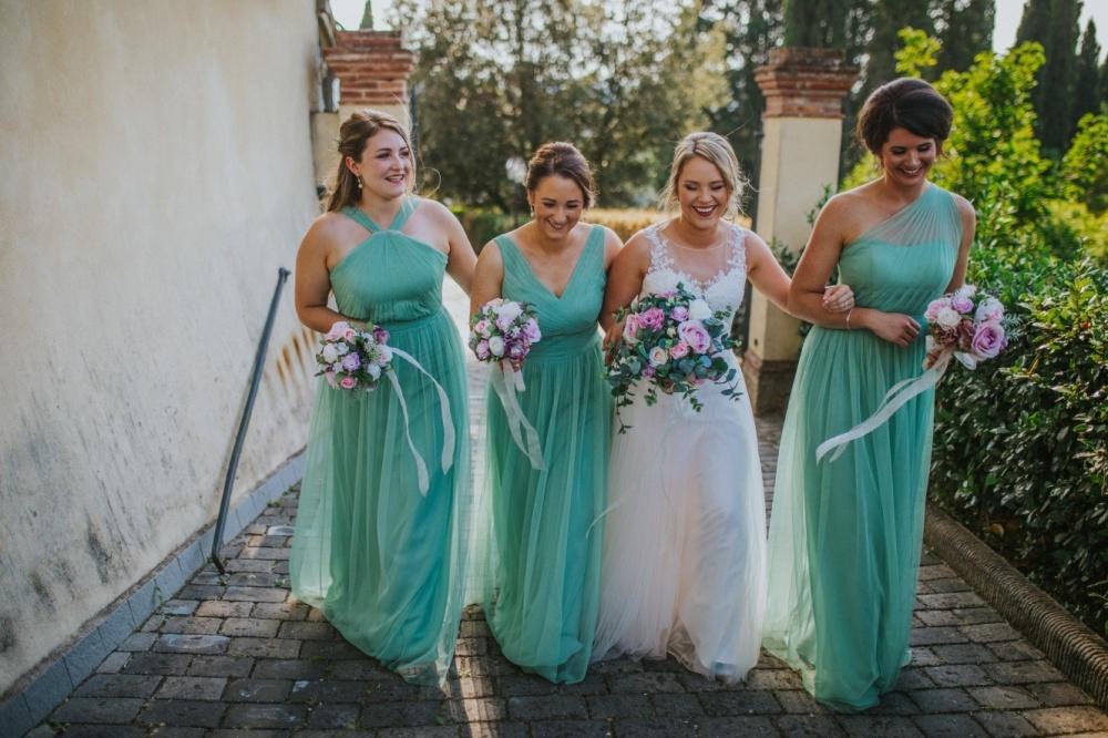 damigelle e sposa, matrimonio in villa toscana