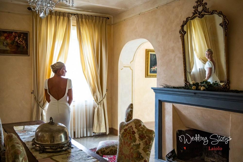 foto ricordo della sposa nella della location esclusiva del matrimonio