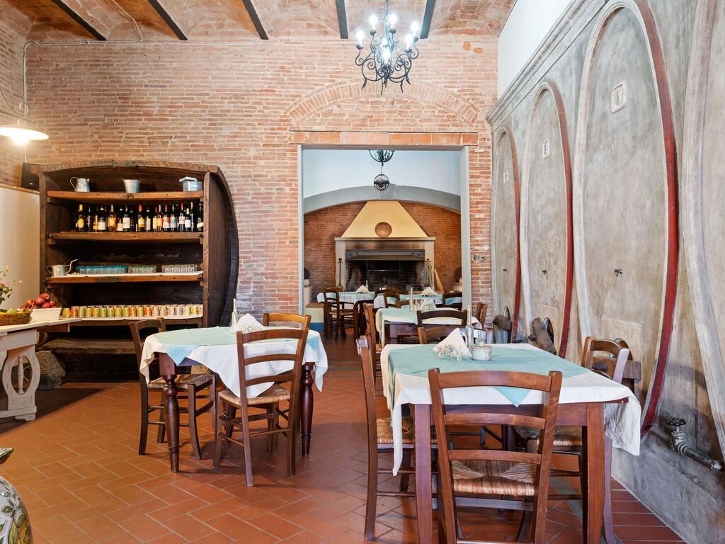 Sala delle colazioni in agriturismo Toscana