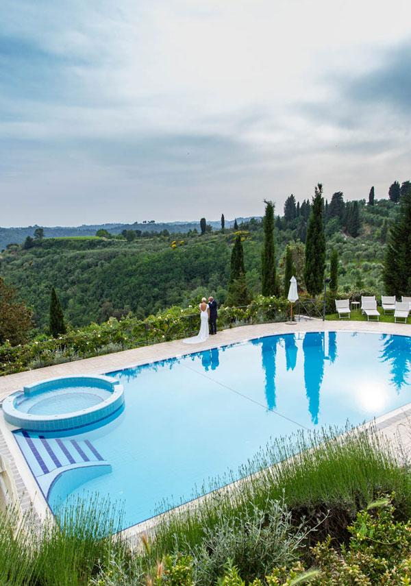 villa con piscina per cerimonia in toscana