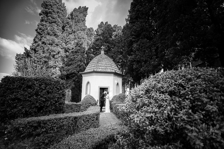 villa toscana con cappella storica per matrimoni religiosi